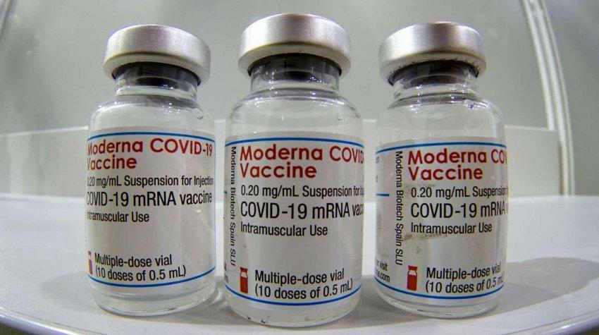 Вакцины COVID: сочетание AstraZeneca и Pfizer может повысить иммунитет. Новое исследование