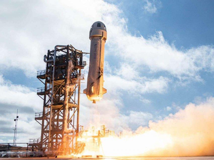 Ракета New Shepard успешно долетела до края космоса и благополучно приземлилась