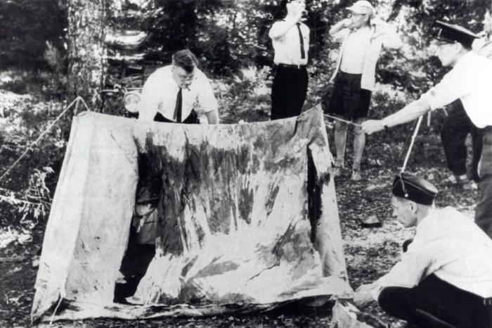 Нераскрытое массовое убийство на озере в Финляндии, где убийца описывался как «человек в черном с ярко-красными глазами»