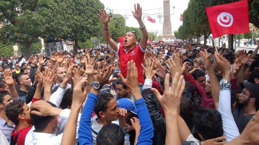 Тунис: сложные проблемы, стоящие за захватом президентской власти