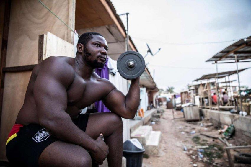 Истории обычных трущоб: доклад Давида Тешинского из современной Ганы