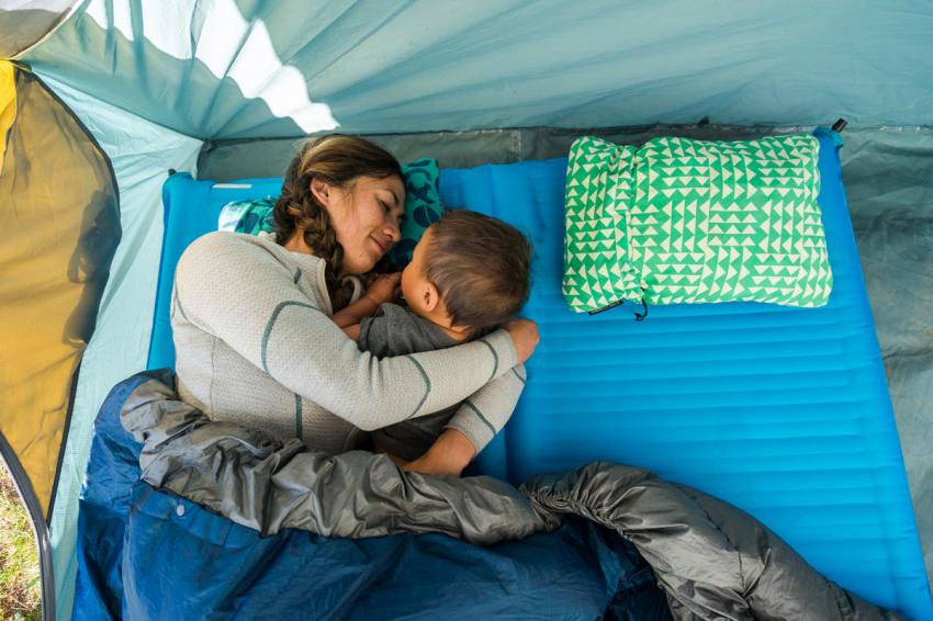 Топ 10 лучших надувных матрасов для палатки