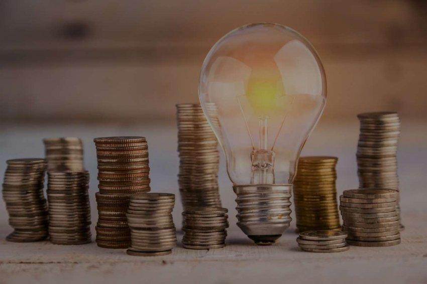 Цены на электроэнергию достигли рекордных высот, и больше всего страдают люди, у которых мало времени
