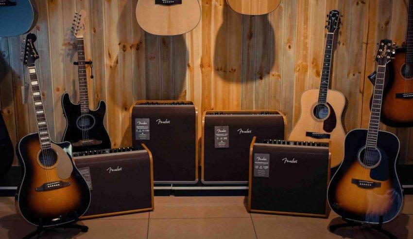 Топ 10 лучших комбоусилителей для акустических гитар